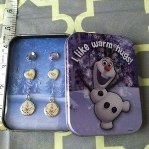 Other - Frozen Earrings set
